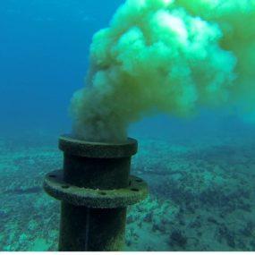 Girne, İskele ve Mağusa bölgesinde faaliyet gösteren birçok atıksu arıtma tesisi atık suları arıtmadan denize deşarj etmekte
